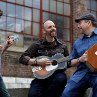 Concert on the Common: Phil Henry Acoustic Trio